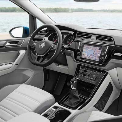 Salpicadero y asiento del Volkswagen Touran